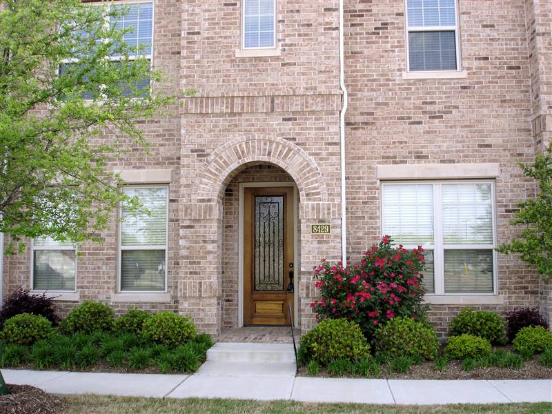 Frisco Square Townhome Sold By Jeanie Elliott in 2010 - Luxury Foreclosure Home